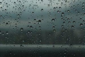 ליקויי בניה בחלונות - איטום חלון כיס איטום חלון מבחוץ