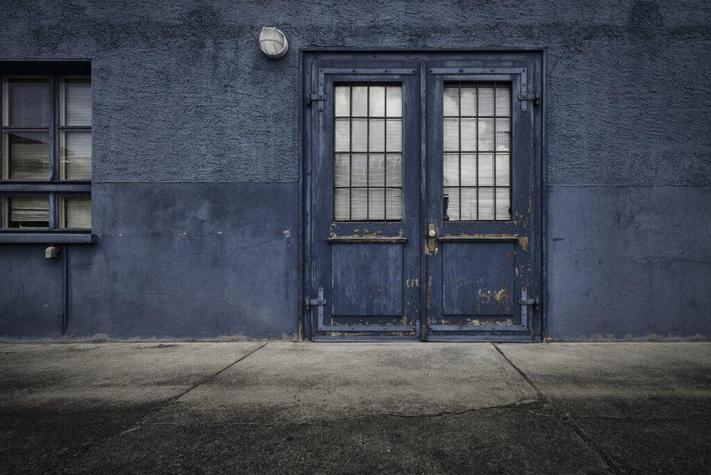 דלתות נגד רטיבות